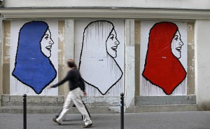 fresque-hijab-france-source-france24